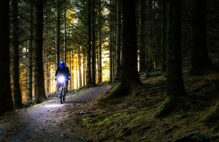 2020 Top LED Mountain Bike Lights for Night Riding