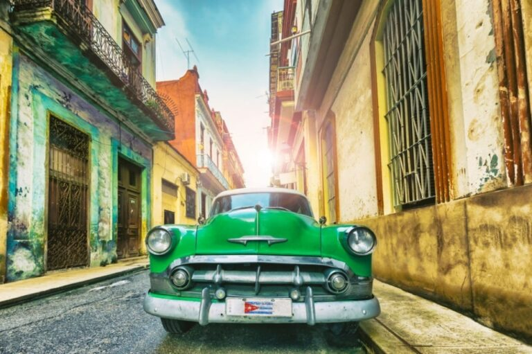 10 Essential Experiences to Do in Cuba