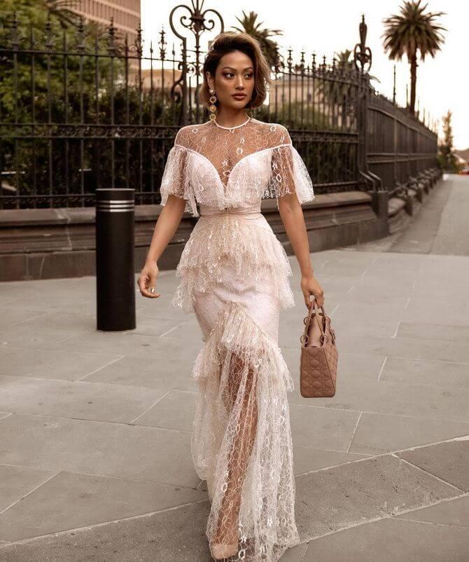 01 Lace dresses