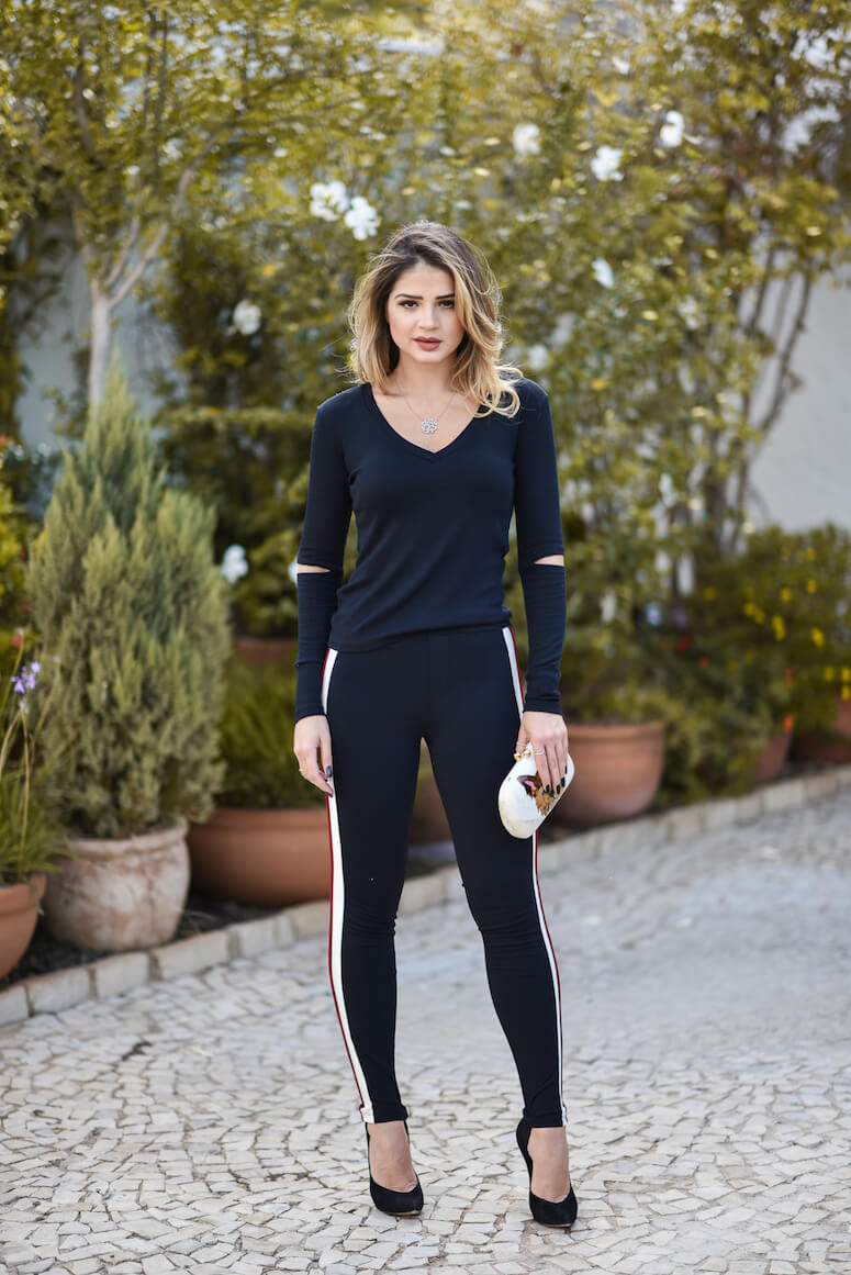1. Even with a spotier face, legging offers numerous look - Copy