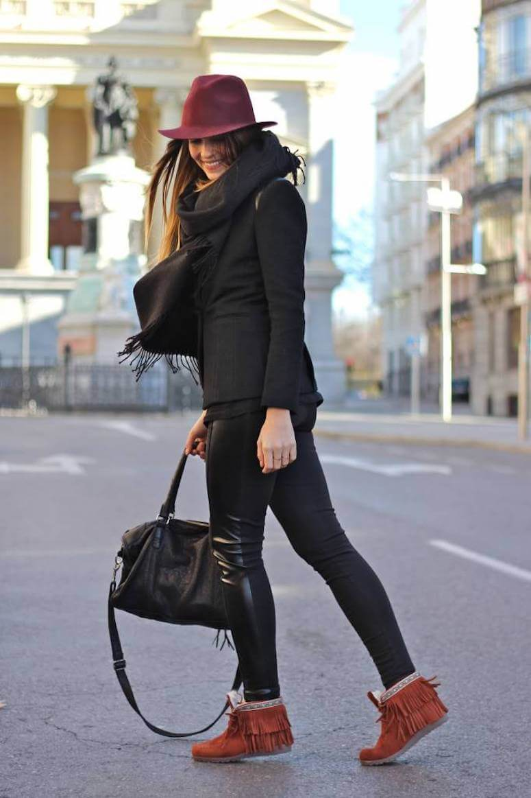 17. Leggings with fringe boots one more option to get out of the basics