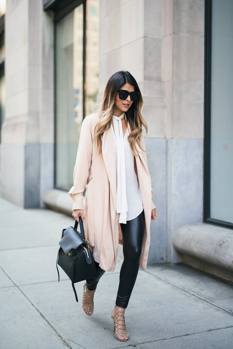 22. For a lighter feel, combine your leggings with a flowing jacket
