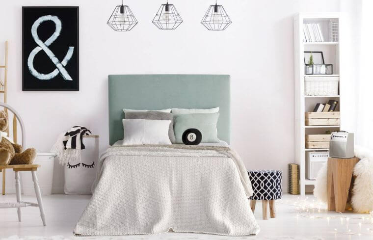 32. Here is an original wall decoration idea for a modern bedroom