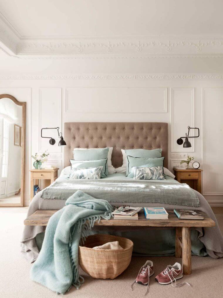 35. Modern bedroom decor with wooden design furniture