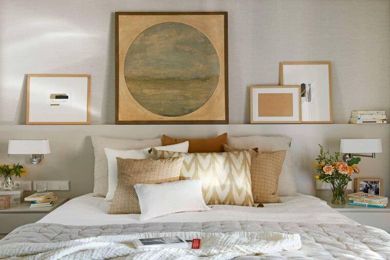 36. The idea of __displaying pieces of art above the headboard is really very original for the decor of the modern bedroom.